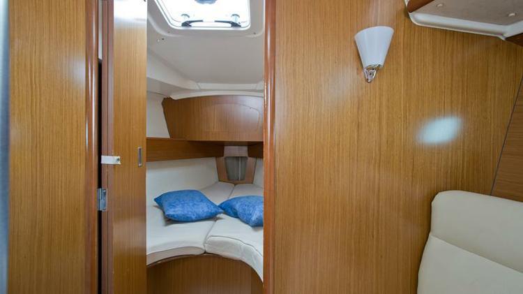 Boat for rent Jeanneau 31.0 feet in Marina Mali Losinj,