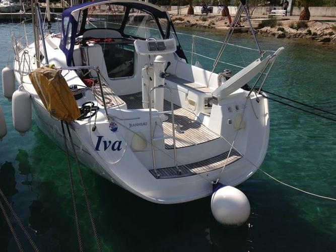 Boat for rent Jeanneau 31.0 feet in Marina Frapa, Rogoznica, Croatia