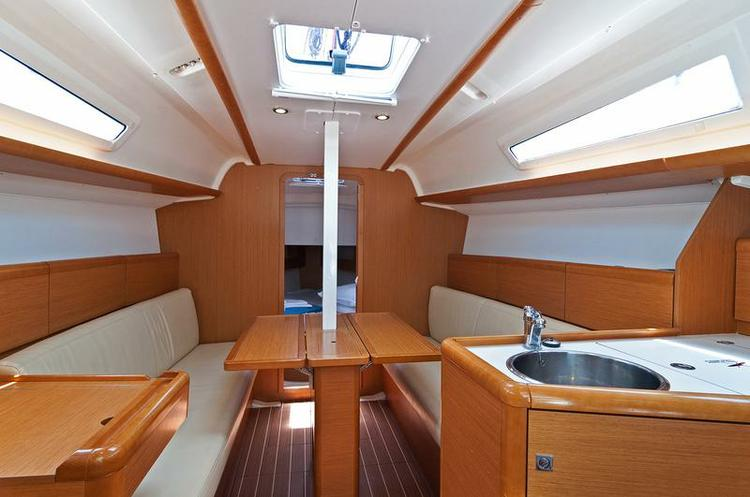 Boat for rent Jeanneau 32.0 feet in Marina Split - ACI ,