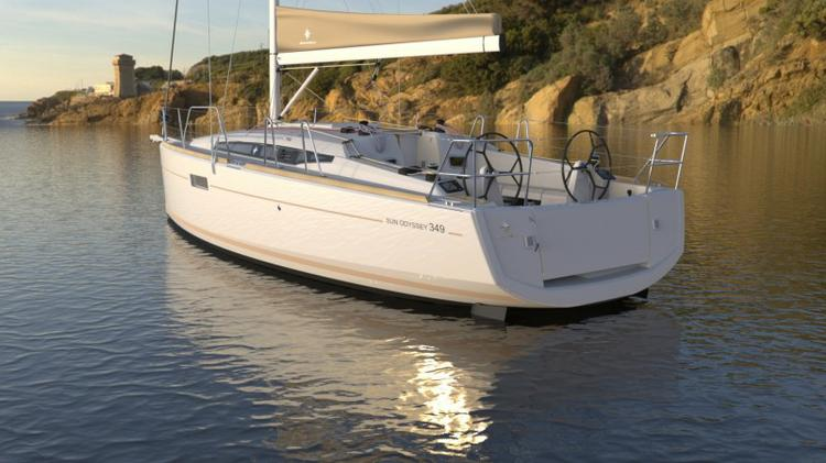 This 33.0' Jeanneau cand take up to 8 passengers around Split region