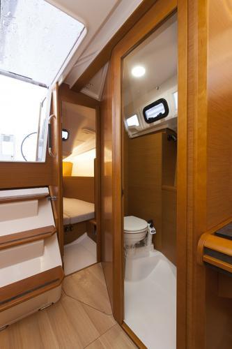 Boat for rent Jeanneau 33.0 feet in Marina Tankerkomerc, Zadar,