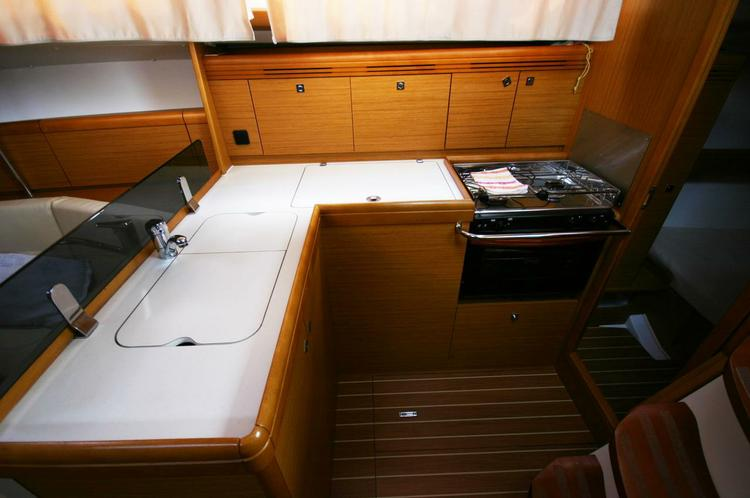 Discover Balearic Islands surroundings on this Sun Odyssey 36i Jeanneau boat