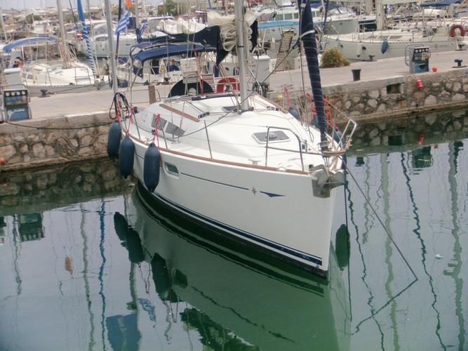 Boat for rent Jeanneau 35.0 feet in Marina Alimos (Kalamaki), Greece