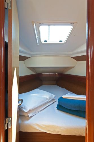 Discover Split region surroundings on this Sun Odyssey 36i Jeanneau boat