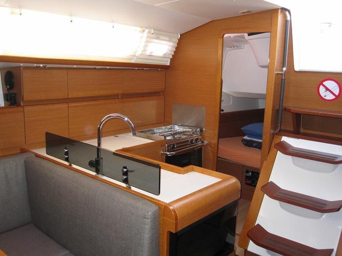 Boat for rent Jeanneau 40.0 feet in Marina Tankerkomerc, Zadar, Croatia