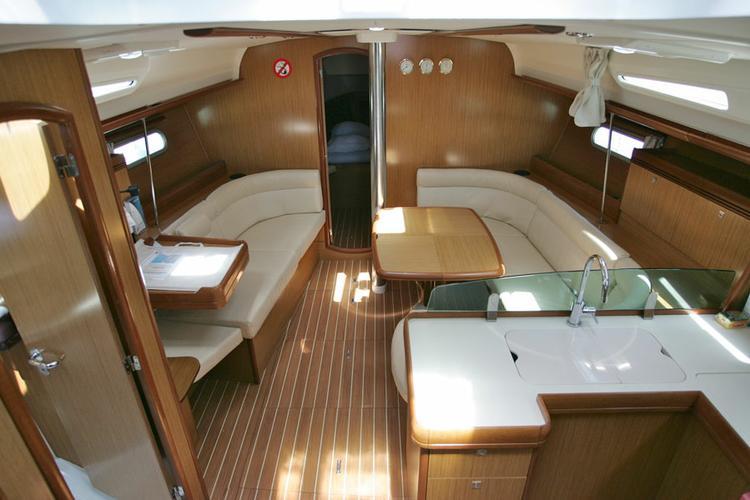 Jeanneau boat for rent in Aegean
