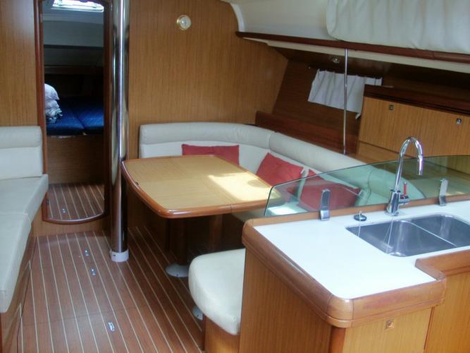 Boat for rent Jeanneau 42.0 feet in Marina Alimos (Kalamaki), Greece