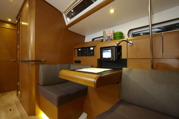 Discover Sardinia surroundings on this Sun Odyssey 439 Performance Jeanneau boat
