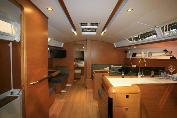 Boat for rent Jeanneau 43.0 feet in Marina Kremik, Primosten,