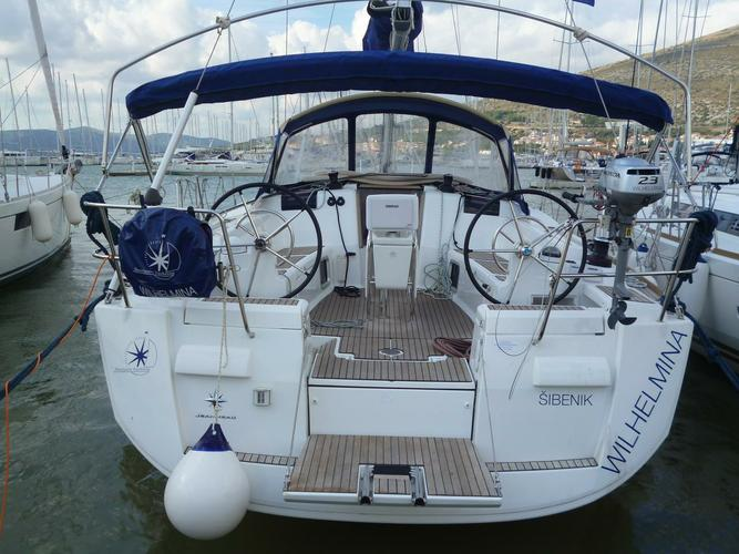 Experience Split region on board this amazing Jeanneau