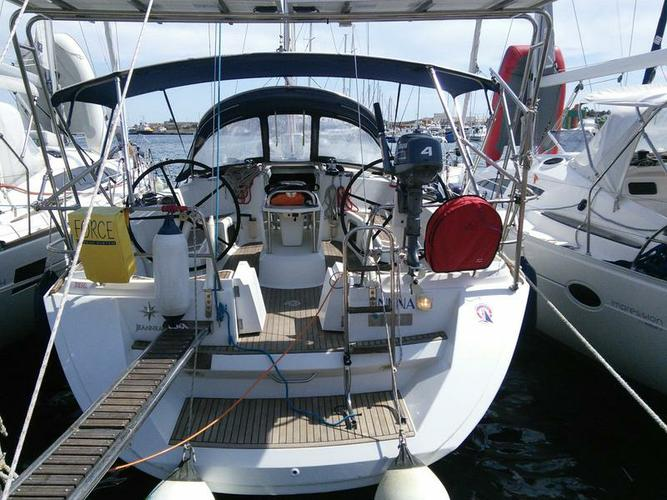 Jeanneau boat for rent in Cyclades