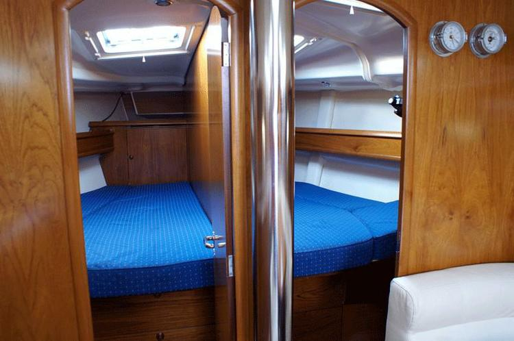 Discover Macedonia surroundings on this Sun Odyssey 45 Jeanneau boat