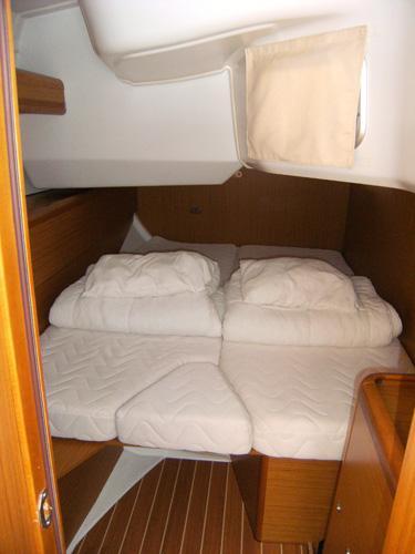 Boat for rent Jeanneau 45.0 feet in Aegean,