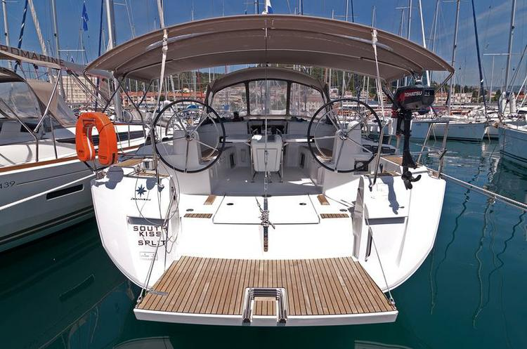 Discover Split region surroundings on this Sun Odyssey 469 Jeanneau boat