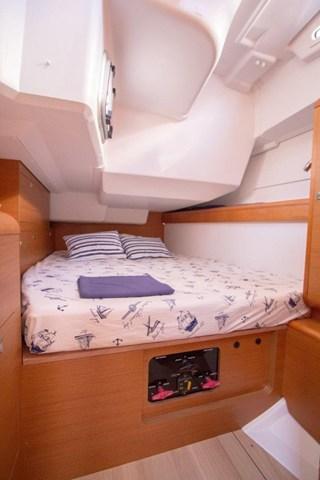 Boat for rent Jeanneau 46.0 feet in Marina Nava, Split,