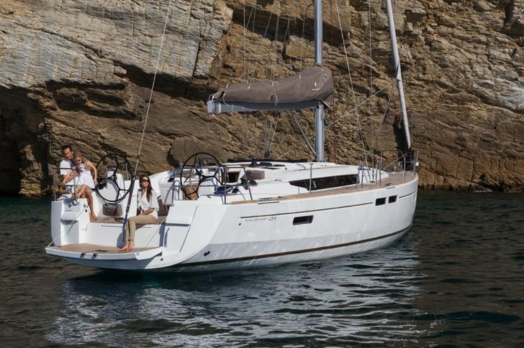 Discover Saronic Gulf surroundings on this Sun Odyssey 479 Jeanneau boat