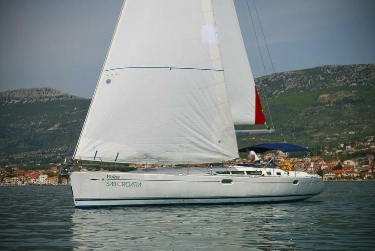 Jeanneau's 49.0 feet in Split region