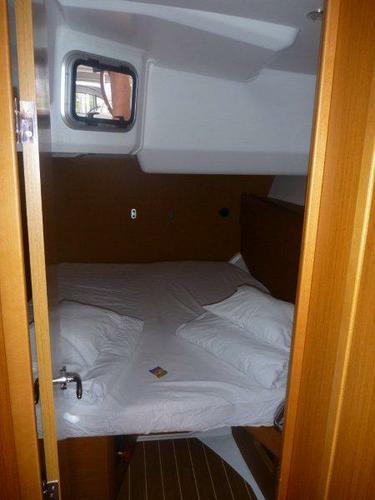 Discover Šibenik region surroundings on this Jeanneau 53 Jeanneau boat