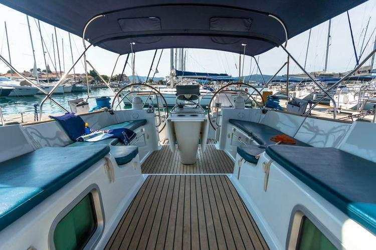 Discover Zadar region surroundings on this Sun Odyssey 54 DS Jeanneau boat