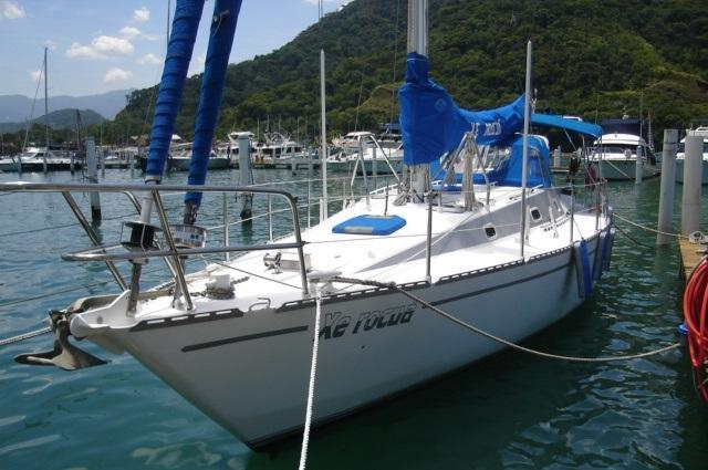 Sloop boat for rent in Ubatuba