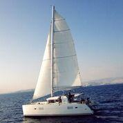 Discover Saronic Gulf surroundings on this Lagoon 400 Lagoon-Bénéteau boat
