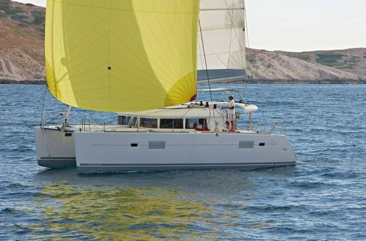 This 39.0' Lagoon-Bénéteau cand take up to 8 passengers around Šibenik region