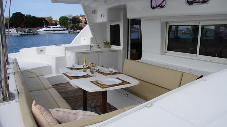 Discover Zadar region surroundings on this Lagoon 440 Lagoon-Bénéteau boat