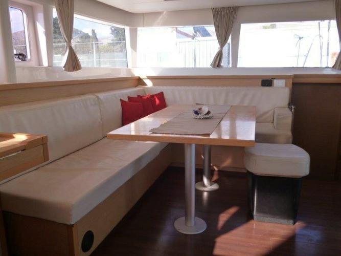 Discover Split region surroundings on this Lagoon 450 Lagoon-Bénéteau boat