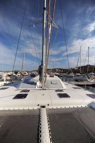 Discover Cyclades surroundings on this Nautitech 47 Nautitech Rochefort boat