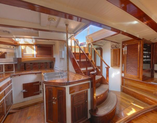 89.0 feet Rainassance Yacths Marine in great shape