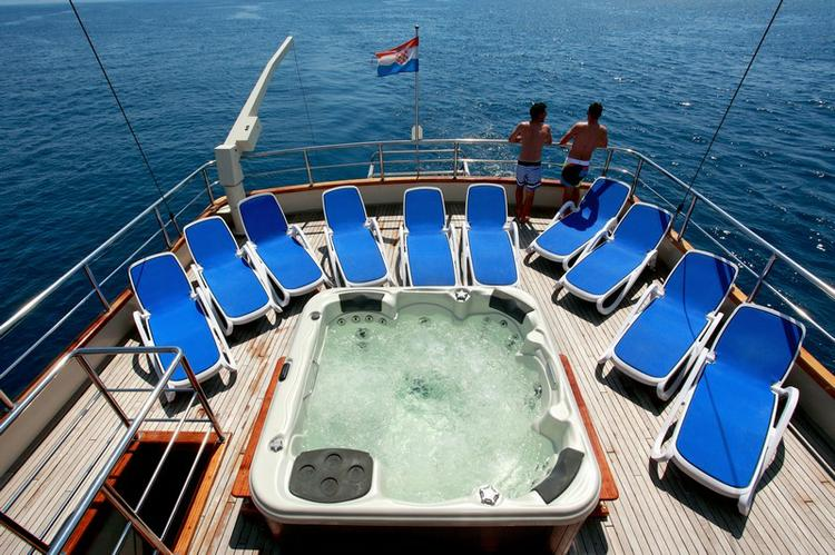 Up to 18 persons can enjoy a ride on this Other boat