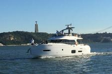 thumbnail-2 Azimut 53.0 feet, boat for rent in Cascais, PT
