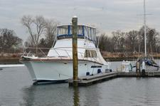 Move around Long Island Sound on this Egg Harbor 48