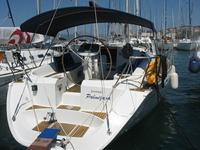 Enjoy Split region in style on our Jeanneau
