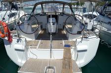 Jump aboard this beautiful Jeanneau Sun Odyssey 509