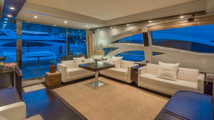 Discover Sag Harbor surroundings on this 86 Azimut boat