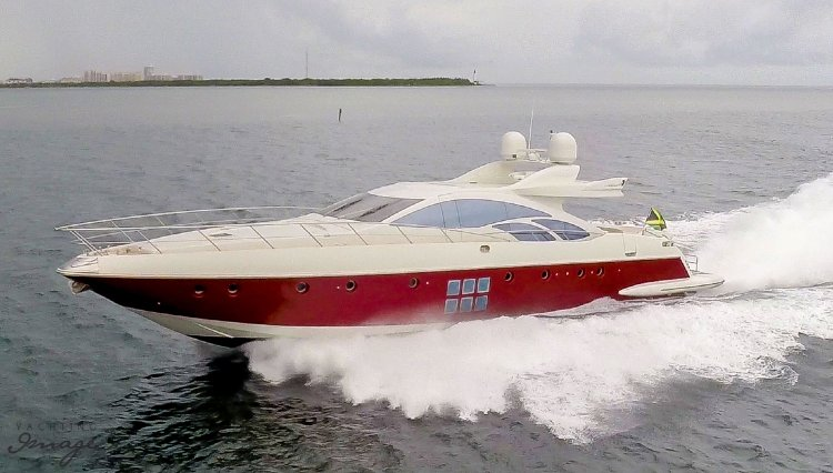 Turn Heads in the Hamptons aboard this Beautiful Azimut