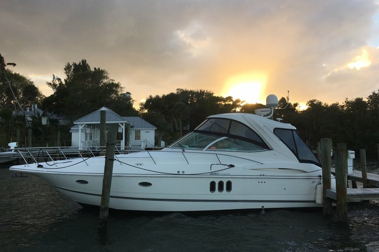 Boat for rent Cruisers Yachts 42.0 feet in Palmer Point Marina & Ships Store, CT