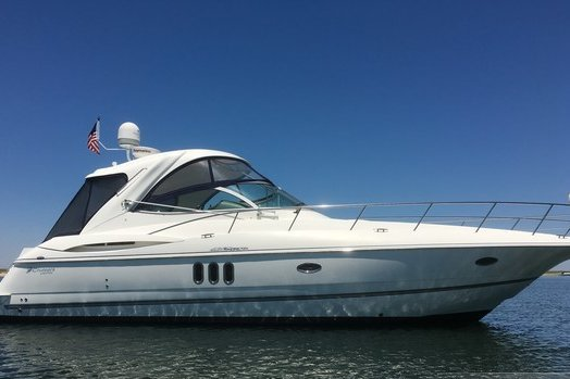 This 42.0' Cruisers Yachts cand take up to 6 passengers around Cos Cob