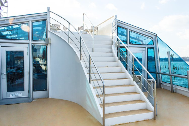 Up to 600 persons can enjoy a ride on this Mega yacht boat