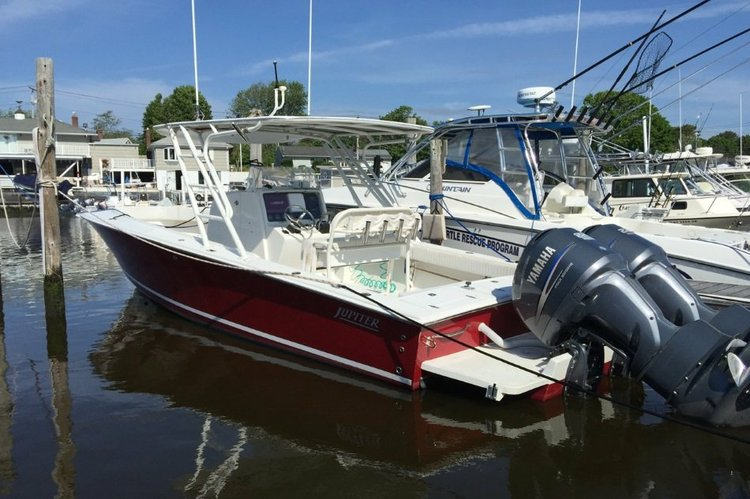 Fish Montauk in this speedy Jupiter 31'
