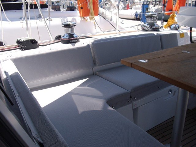 This 50.0' Bénéteau cand take up to 8 passengers around