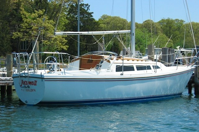 Explore Sag Harbor in a Catalina 27'