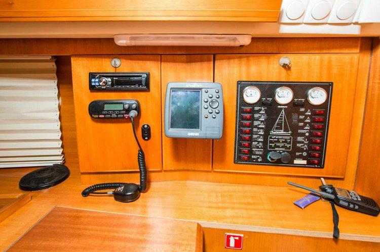Elan Marine boat for rent in Zadar region