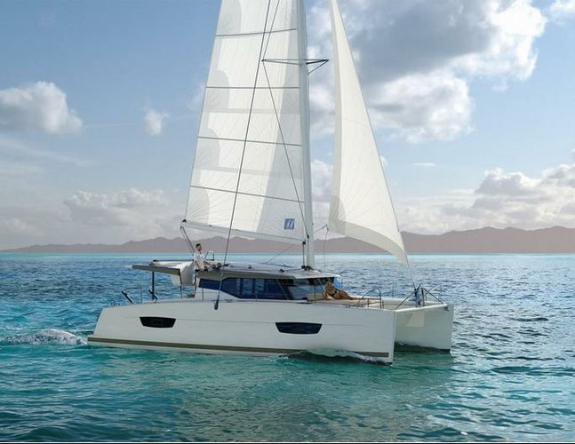 Unique experience on this beautiful Fountaine Pajot