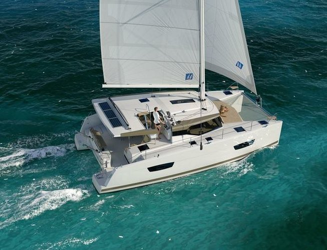 This 38.0' Fountaine Pajot cand take up to 10 passengers around Zadar region