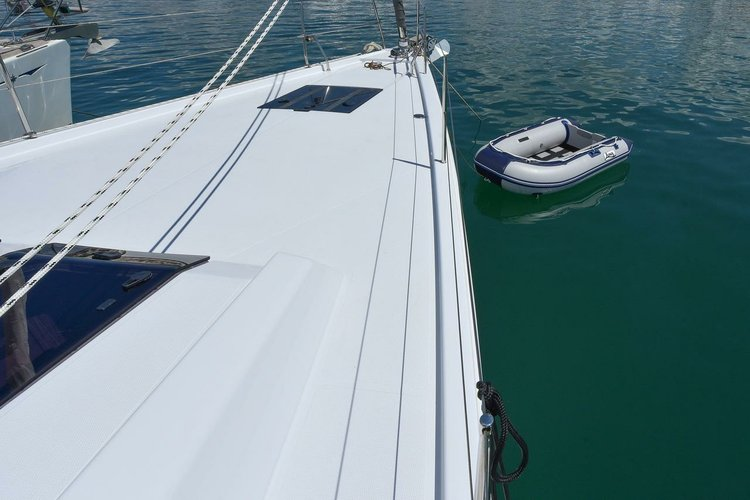 This 50.0' Hanse Yachts cand take up to 11 passengers around Zadar region