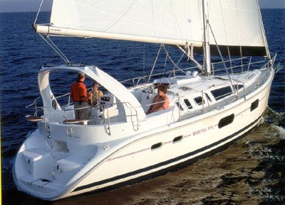 Sail Long Island in style on this beautiful 41' Hunter