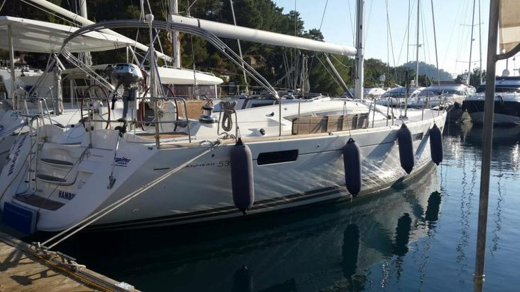 Take this Jeanneau Jeanneau 53 for a spin !