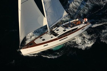 Hop on board this beautiful Jeanneau 53 in Antigua